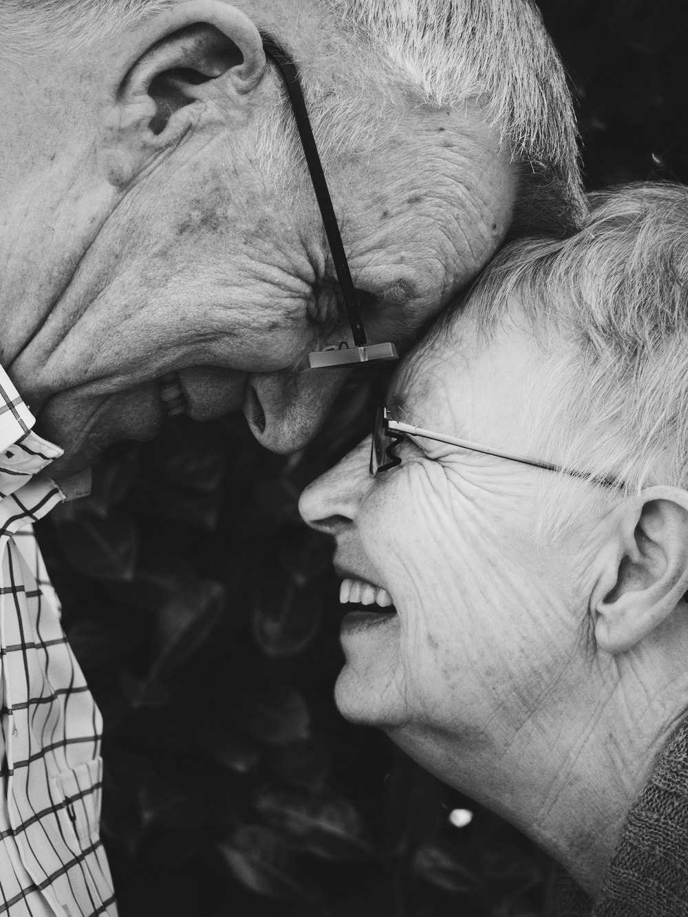 Seven Practical Ways To Help Your Parents as They Age